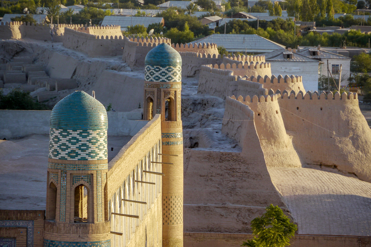 Die Stadtmauer Chiwas
