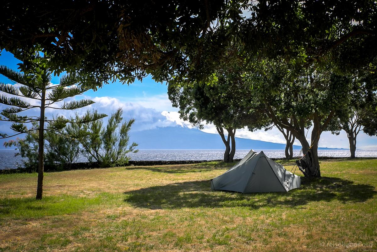 Zelten in Urzelina