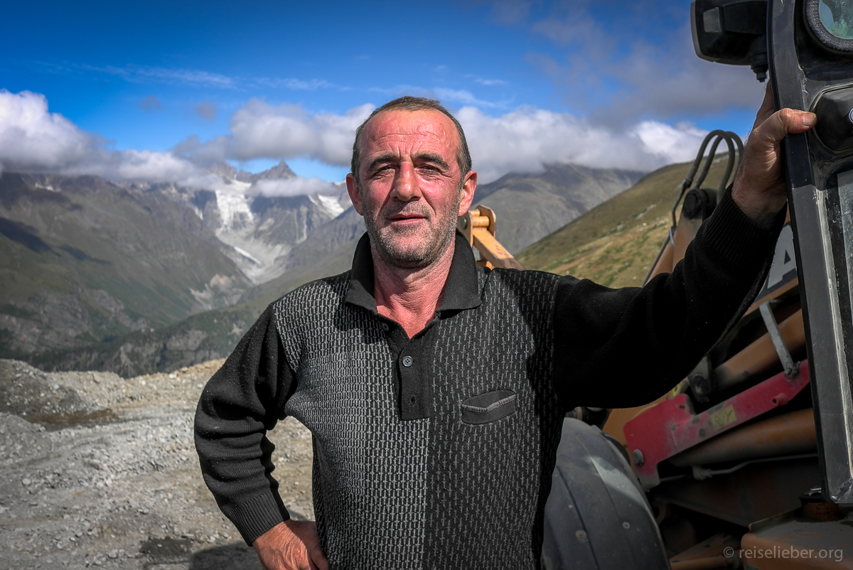 20150916_georgien-swanetien-trekking_L1171151