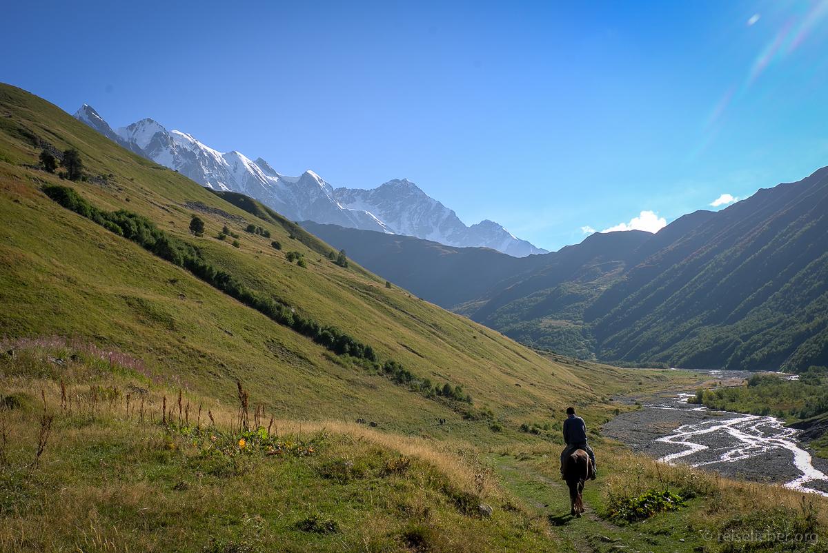20150917_georgien-swanetien-trekking_L1171274