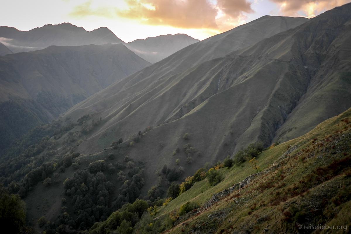 Fahrt über den Abano Pass nach Tuschetien