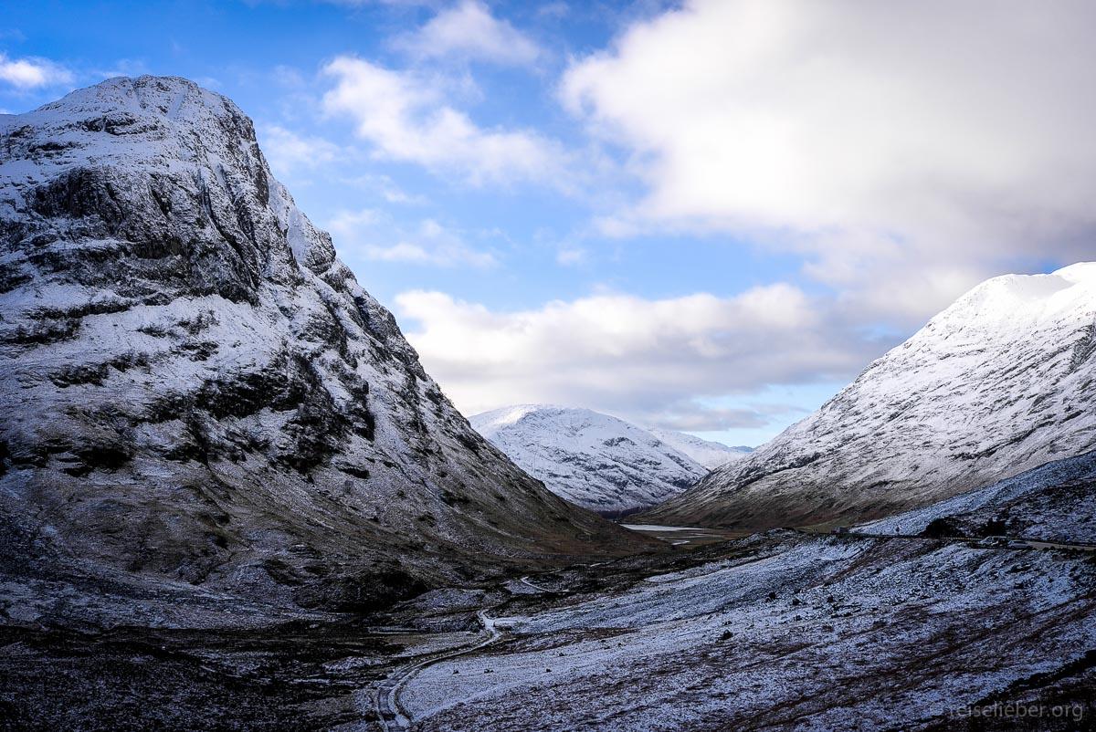 Verschneites Tal von Glen Coe