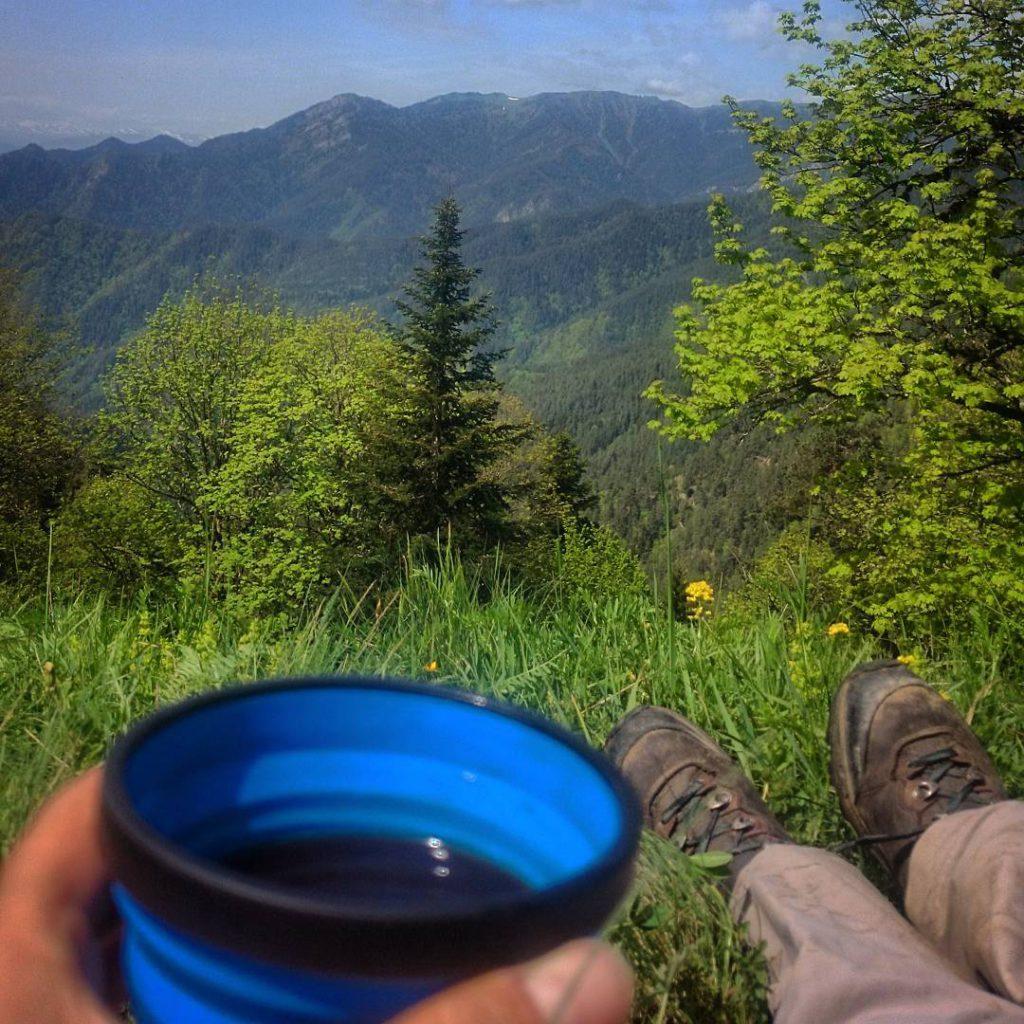 Kaffeepause bei Sonnenschein im Borjomi Nationalpark Das schnste am wandernhellip