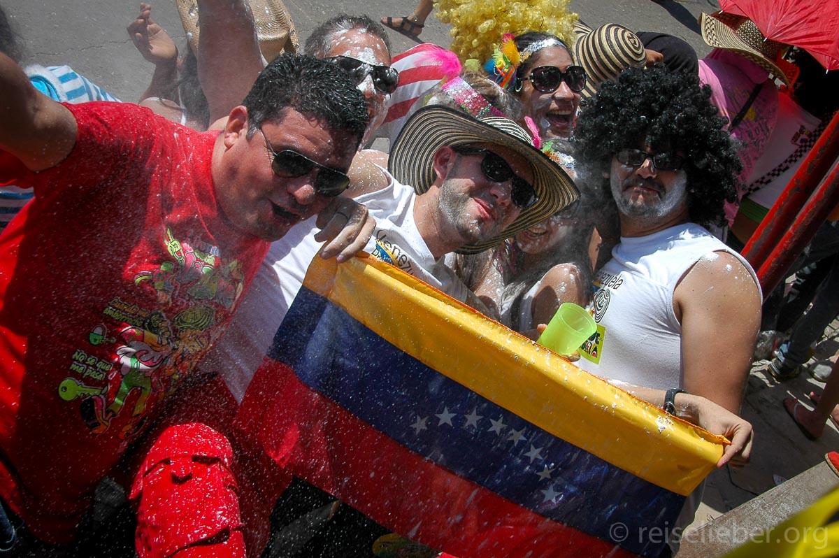 Carnaval de Barranquilla, Zuschauer