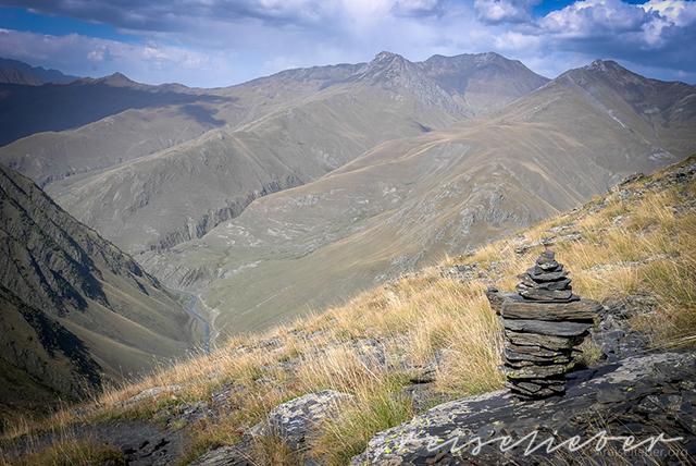 Blick in ein Bergtal in Tuschetien