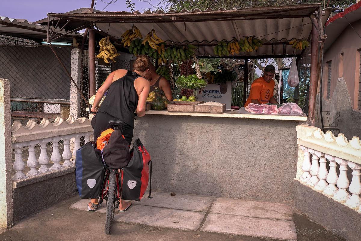 Obststand auf Kuba