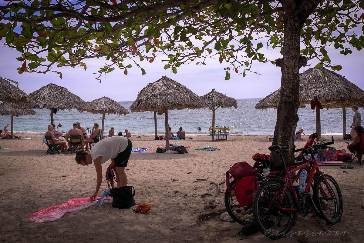 Am Strand bei Cienfuegos