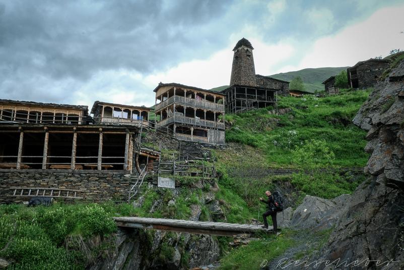 Wandern nach Dartlo in Tuschetien