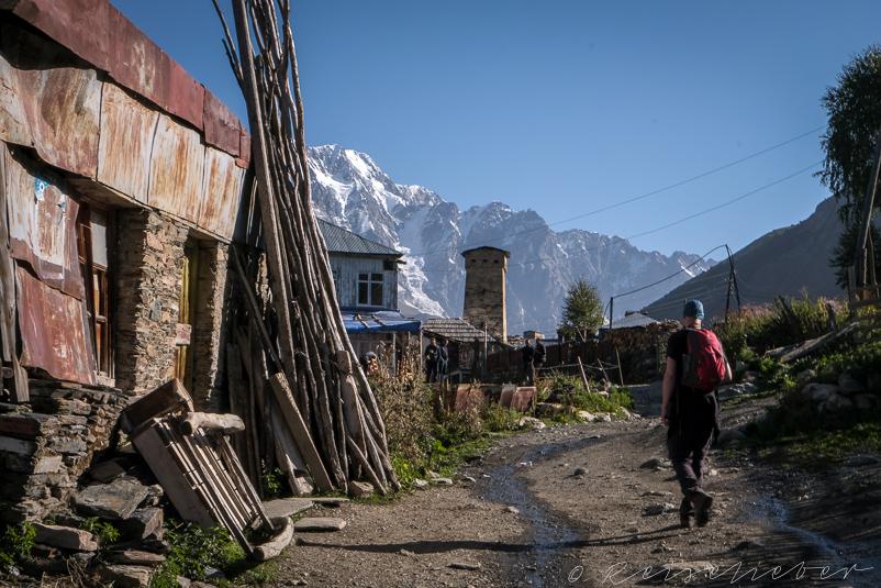 Wanderer in Ushguli