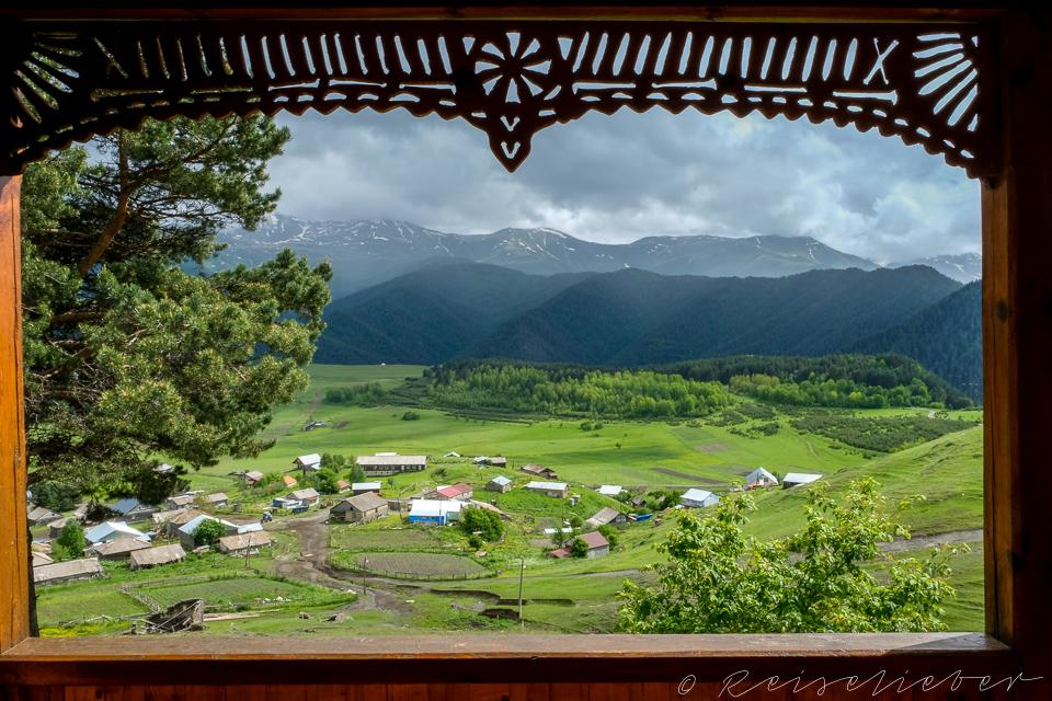 Aussicht aus Fenster auf Omalo
