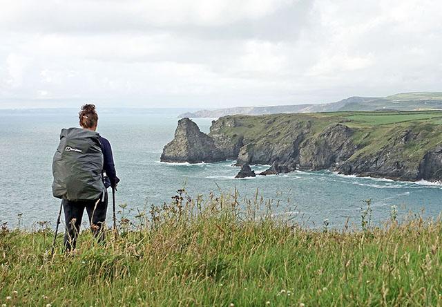Fernwanderweg an der Südwestküste von Großbritannien in Cornwall