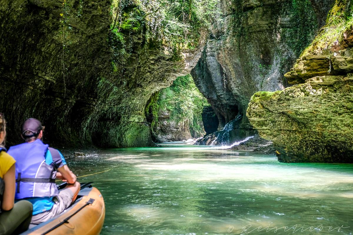 Bootsfahrt durch den Martvili Canyon