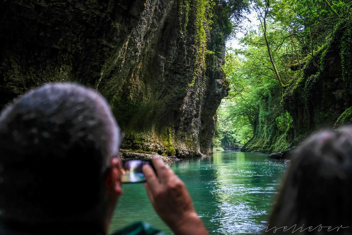 Georgien, Kaukasus, Kutaissi, Ausflüge in die Umgebung von Kutassi, Nationalpark, Martvili Canyon, Schlucht, Karstschlucht, Klamm, Bootsfahrt