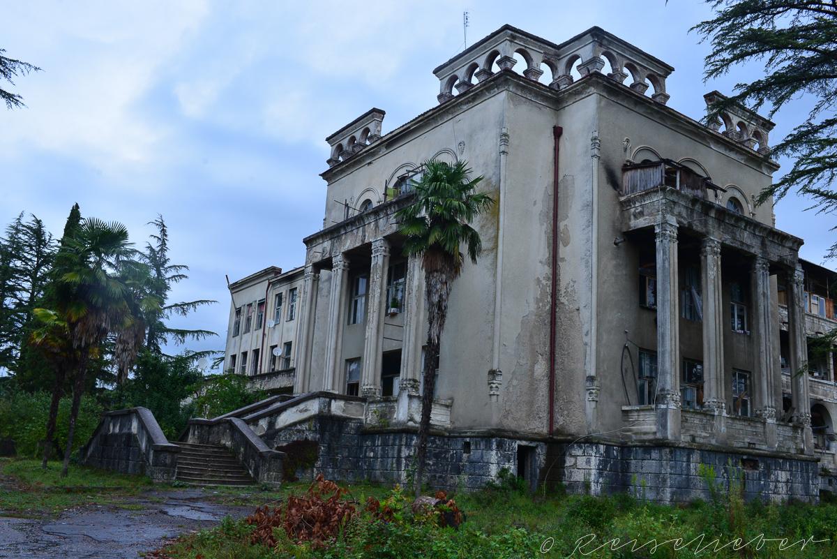 Verfallenes Sanatorium in Tskaltubo, Ausflug in die Umgebung von Kutaissi