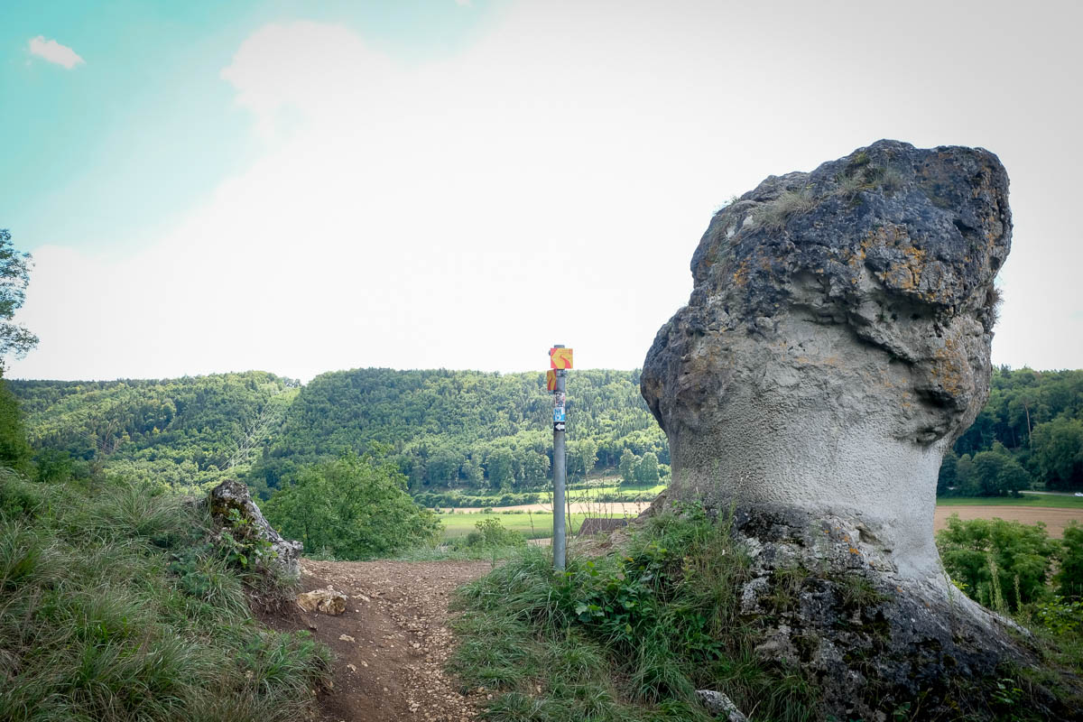Wegmarkierung am Altmühlpanoramaweg