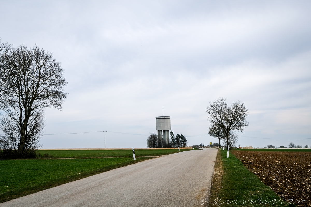 Neuer Wassertrum an der Rundwanderung um Schernfeld