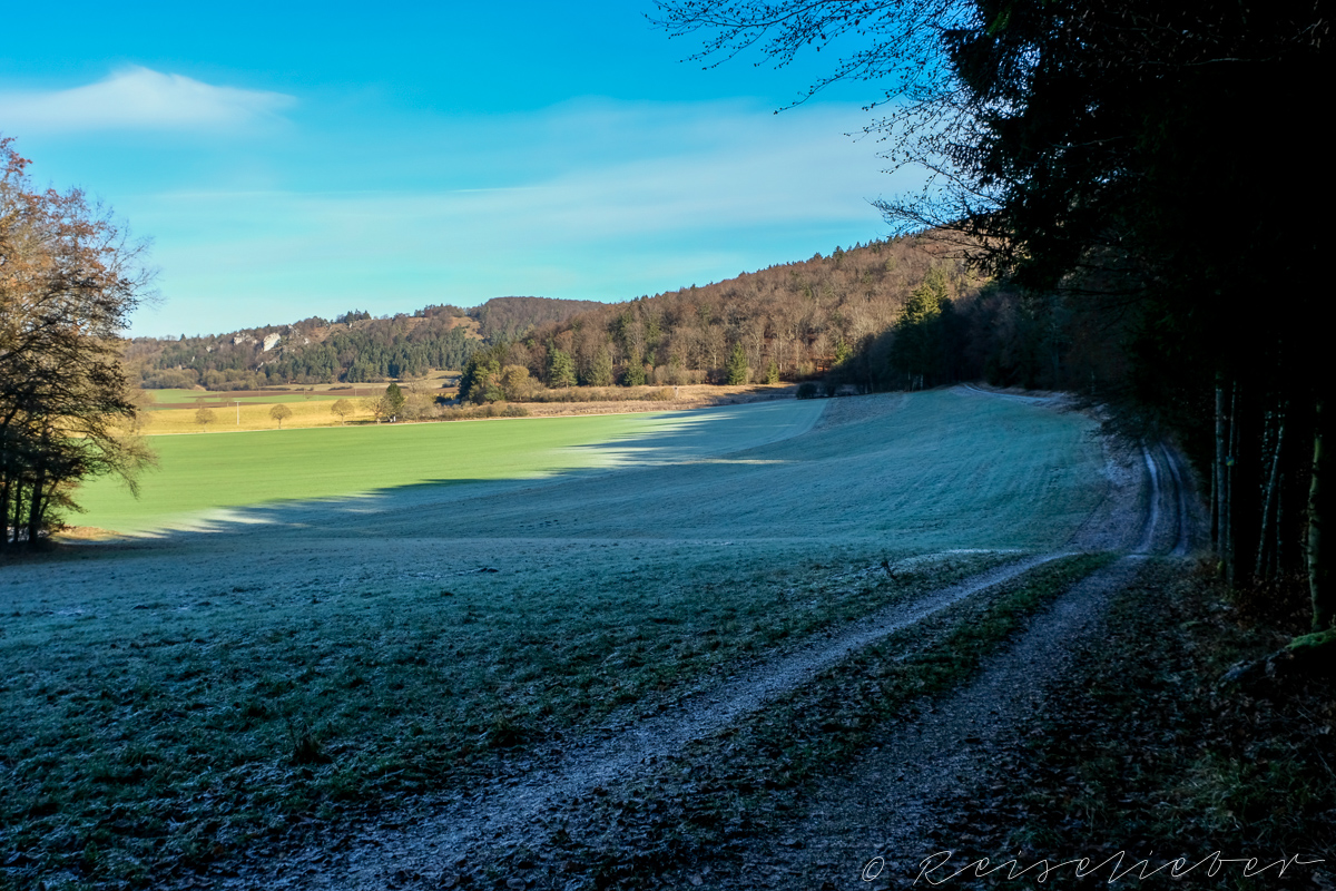 Blick nach Norden Richtung Dollnstein im Urdonautal im Winter